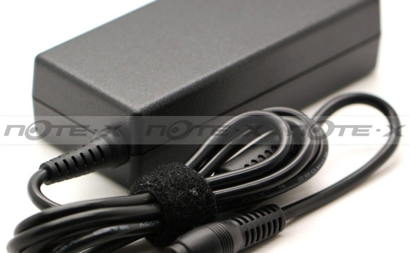 Chargeur MAINS CHARGER / LAPTOP ADAPTER FIT/FOR Toshiba Satellite 1100-S101